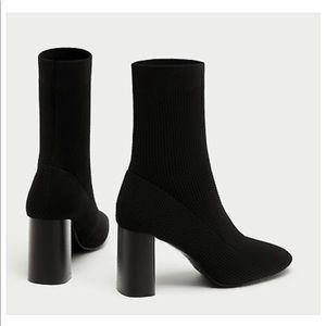 Sock style heeled bootie✨